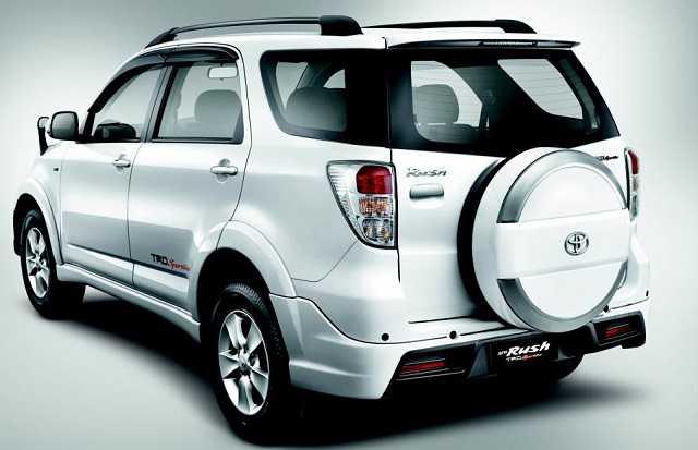 Kelebihan dan Kekurangan Toyota Rush Lengkap - Otodrift