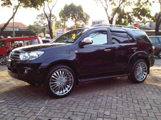 Toyota Fortuner Putih Modifikasi