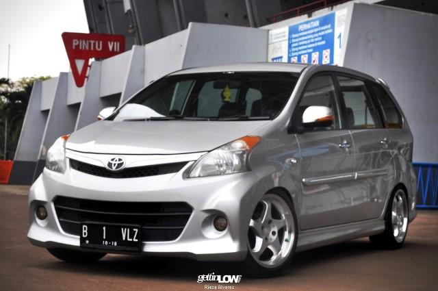 45 Modifikasi Mobil Avanza Veloz Putih Hitam Silver Otodrift